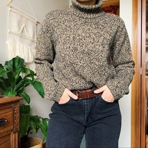Liz Claiborne / knitted turtle neck